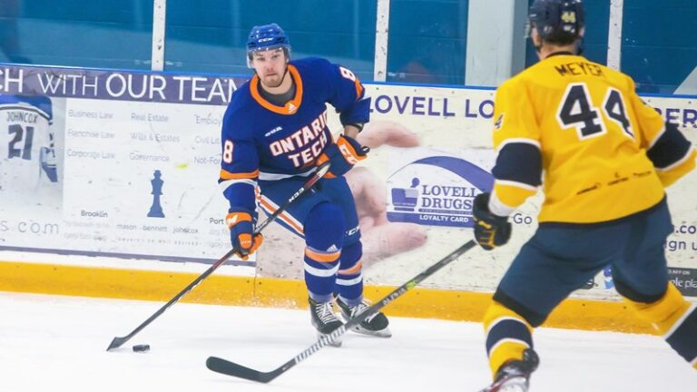 Hockey starts preseason with home win over Laurier
